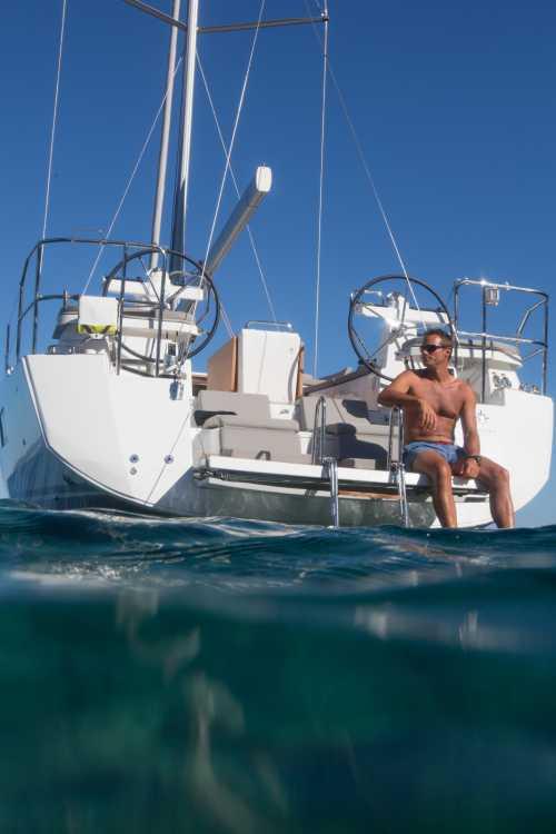 Jeanneau 5 Yacht - Jeanneau Main Dealer | YACHTS CO